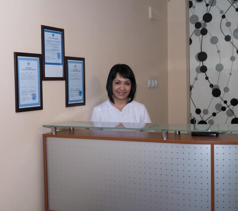 В dm-центре занимает должность лазерное омоложение кожи проводит консультации врач-косметолог